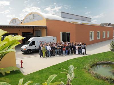 Osculati Firmensitz mit Team
